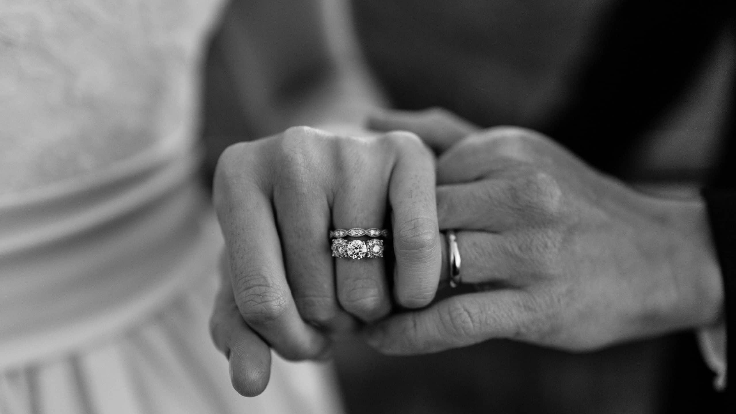 زنگ خطر های دوران نامزدی